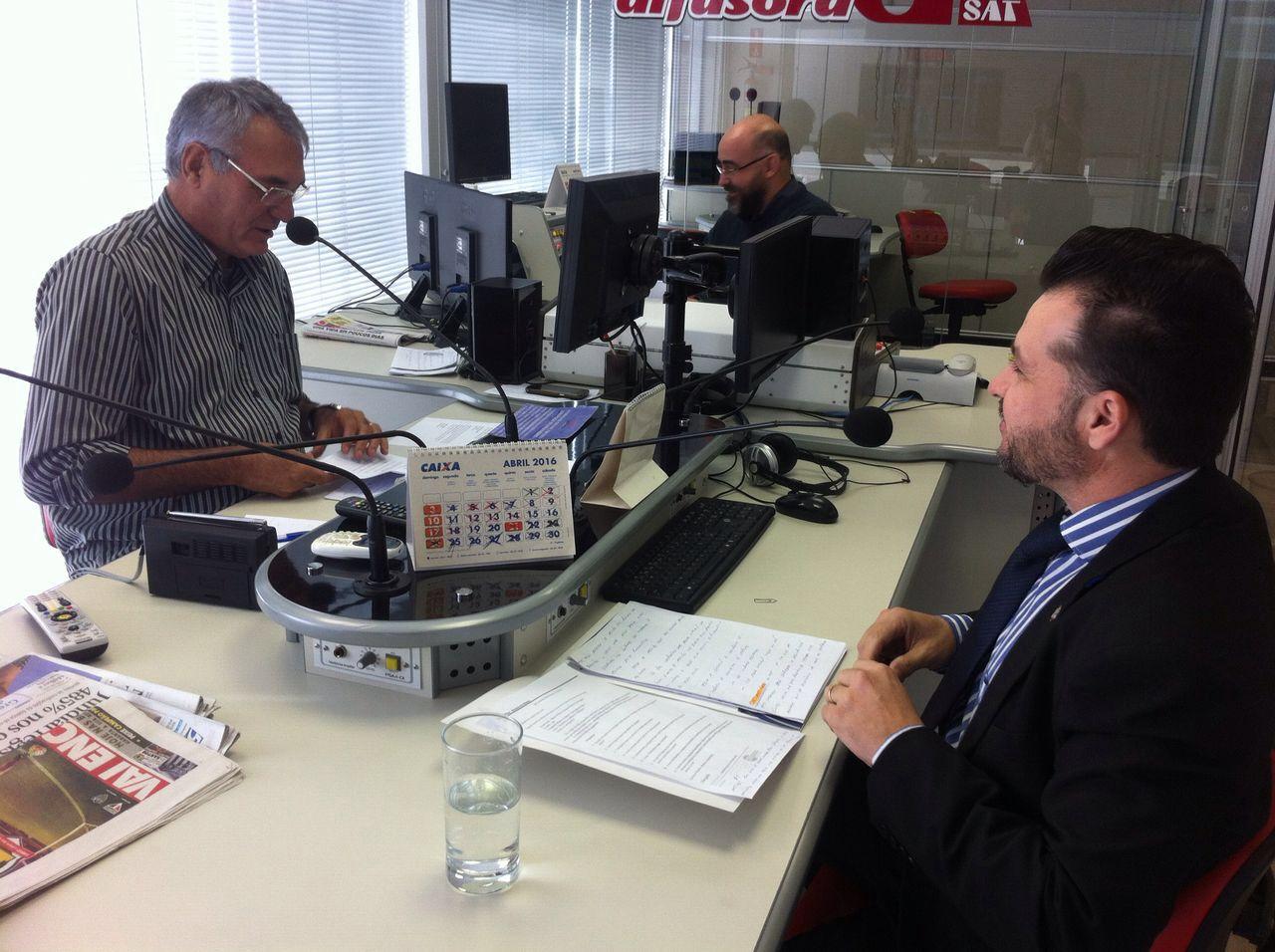 Monteiro & Valente - Advogados Associados - Descontos no salário do trabalhador