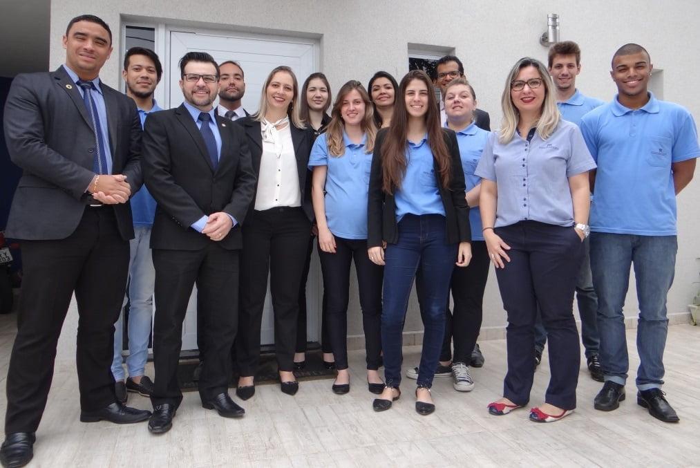 Monteiro & Valente - Advogados Associados - Uma nova marca para você.