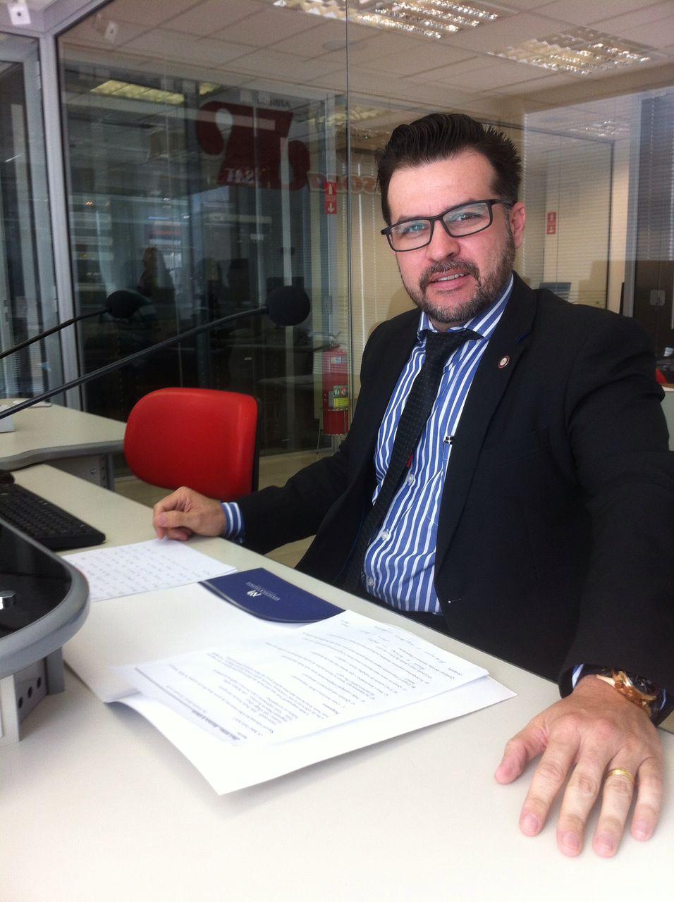 Monteiro & Valente - Advogados Associados - Fusão empresarial