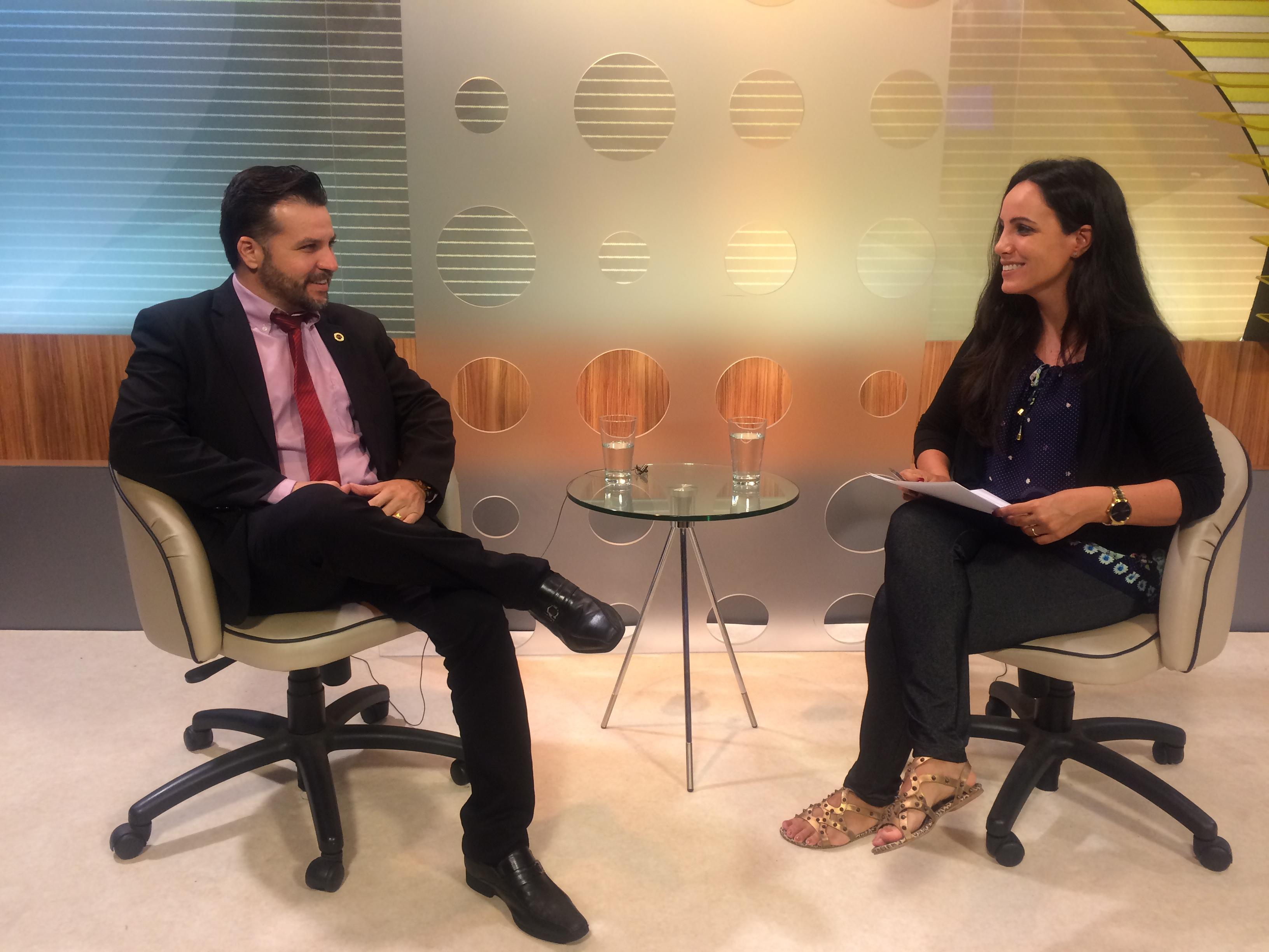 Monteiro & Valente - Advogados Associados - Desconto em compra de automóveis é tema de entrevista na TVE Jundiaí